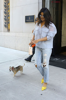 Priyanka Chopra in lovely Denim jeans and Transparent Top   .xyz Exclusive 002.jpg