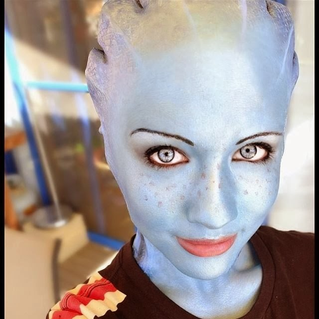 liara cosplay from Mass Effect