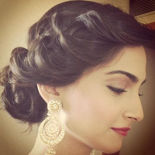 10 Fabulous Engagement Hairstyles Inspired From Sonam Kapoor Bling