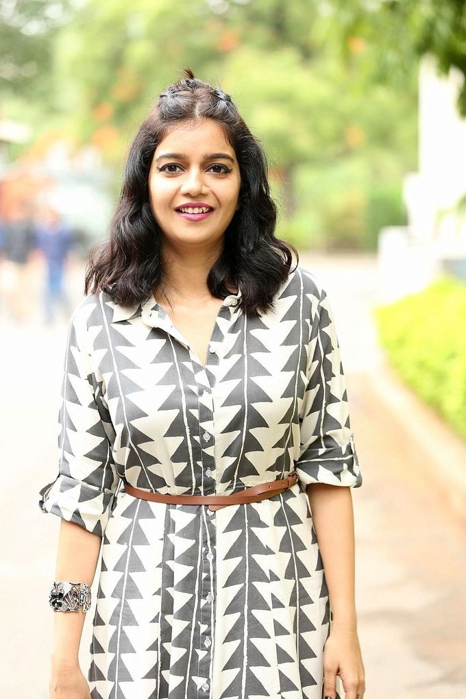 Beautiful Hyderabadi Girl Swathi Reddy Photo Shoot In Long Hair Black Dress