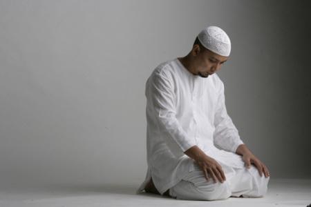 Amalkan Doa ini Sebelum Tidur, InsyaAllah Hutang Sebesar Gunung pun akan LUNAS