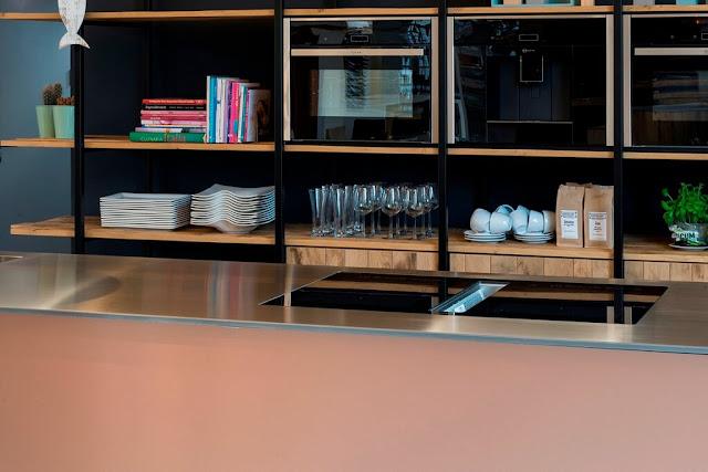 cocina-de-cobre-con-isla-JP-Walker08