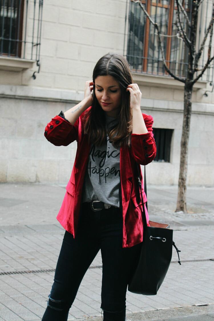 blazer de terciopelo rojo blog de moda leon