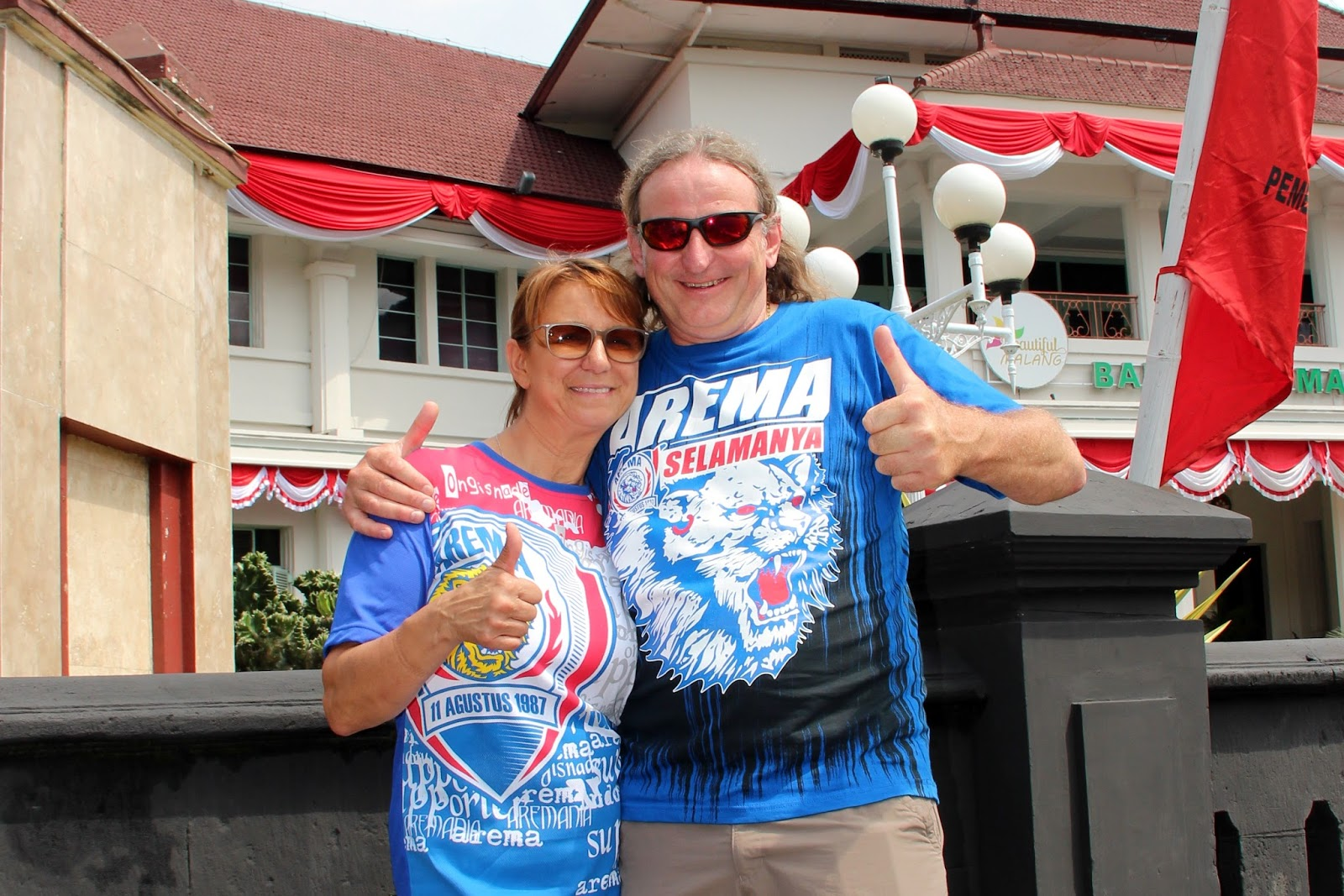 Indonesia Now With Duncan Graham September 2016 Tendencies Tshirt Imagine Line Putih L Their Trick Was To Pull On Harry Potter Cloaks Of Invincibility In This Case T Shirts Screaming Love For Arema Football Club