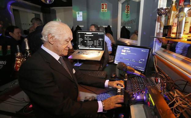 El DJ de 72 años que asombra al mundo