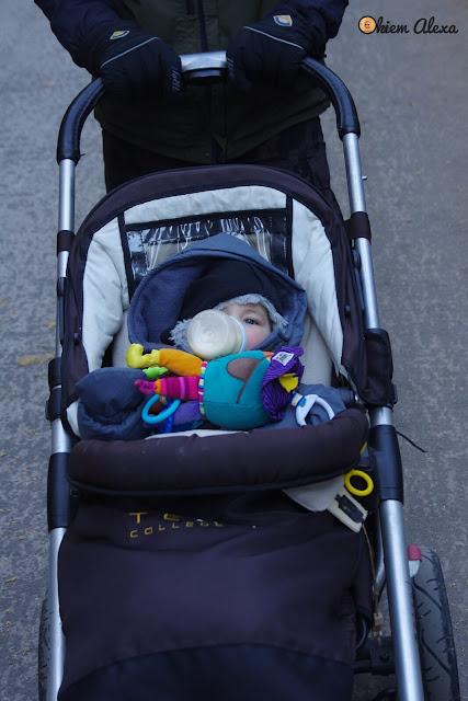 Morskie Oko z dzieckiem, zimą