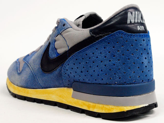 best website 215ba a9032 First released in 1985, the Nike Air Epic Vintage returns for Summer 2012  in a limited edition release. Having received the vintage treatment by Nike,  ...