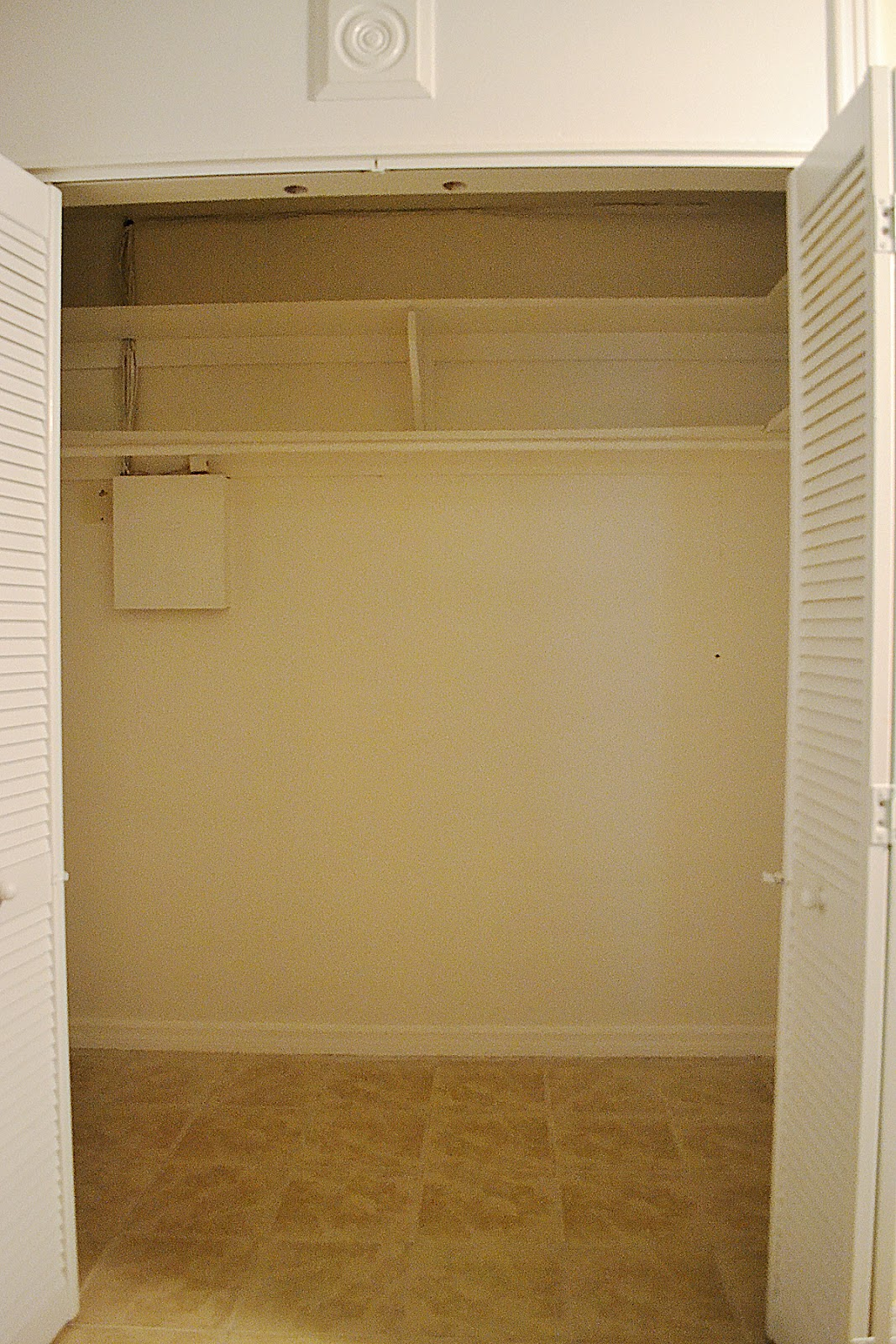 Zoo View Home Office Walk In Closet