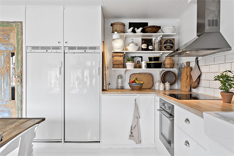 cocina blanca estilo nordico madera natural escandinavo interiorismo nordico alquimia deco interiorista barcelona
