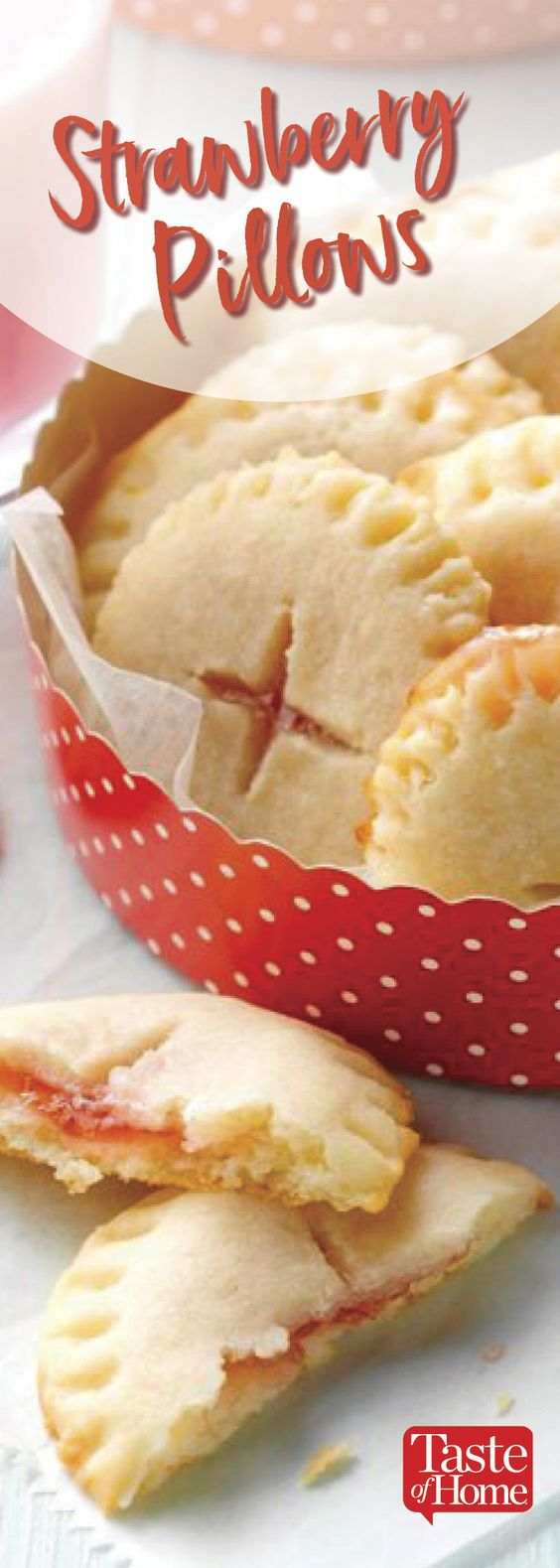 Strawberry Pillows #cookies #cookierecipes #easycookierecipes #strawberry #pillows #strawberrypillows