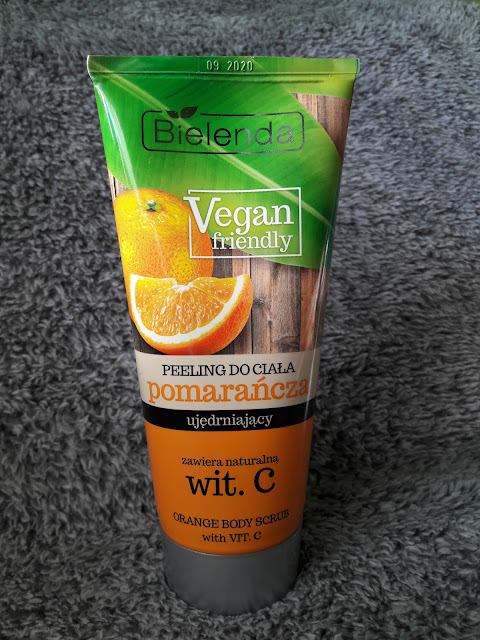 Bielenda vegan friendly peeling do ciała ujędrniający pomarańcza z witaminą C