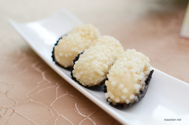 Rice Ball with Lotus Paste