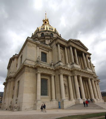 The Hôtel des Invalides was built by Louis XIV ordered to house wounded veterans and wars and ended up as the tomb of Napoleon
