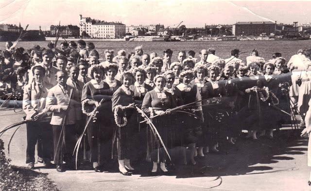 1965 год. Рига. Набережная Даугава. Хоры городов Эргеме и Омули на Празднике песни