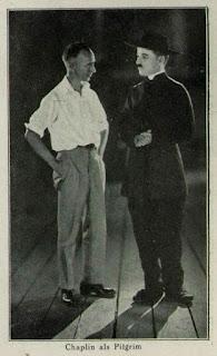 Чарли Чаплин и фотограф Джеймс Эббе, 1922 г.