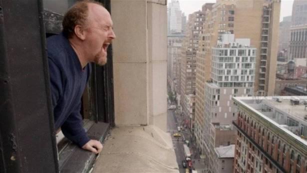هذا ما يحدث في السويد حين يصرخ أحدهم من النافذة