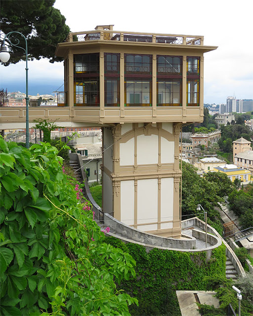 Lift of Castelletto, Genova