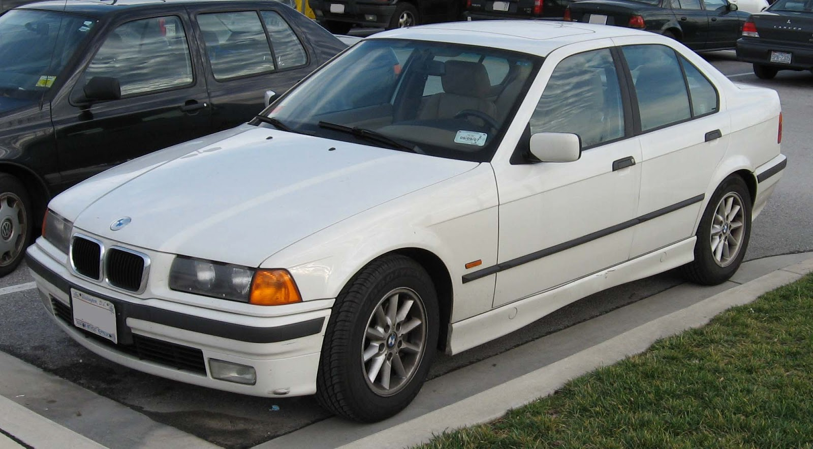 1994 BMW 320i - Car Photo and Specs