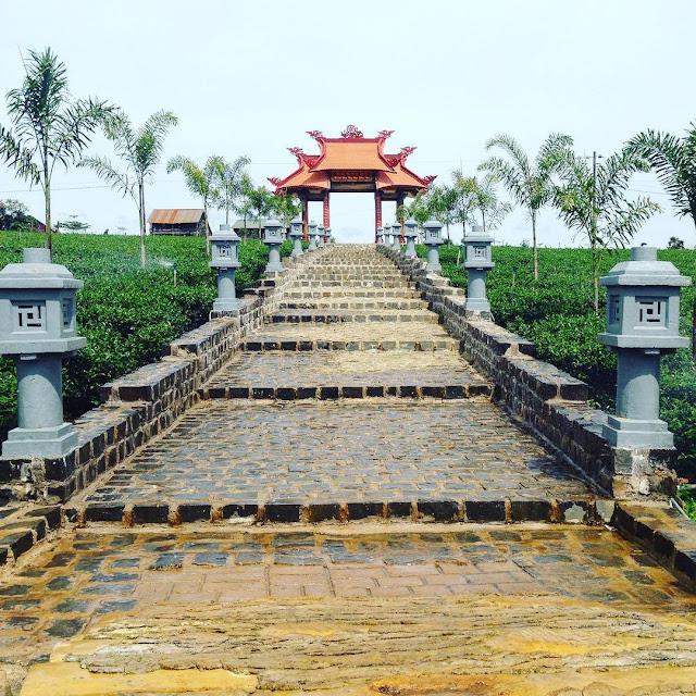 Cổng chùa Di Đà - Bảo Lộc
