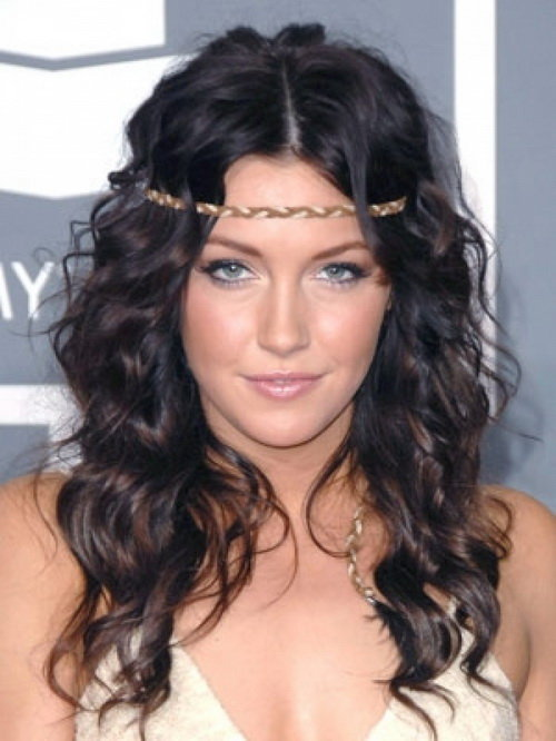 Curly Hairstyles: 76 Hairstyles for Curly Haired Women | Hairstylo