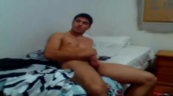Torcedor corinthiano punhetando na webcam 3