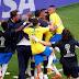 Com gols de Firmino e Neymar, Brasil vence o México e segue para as quartas de final