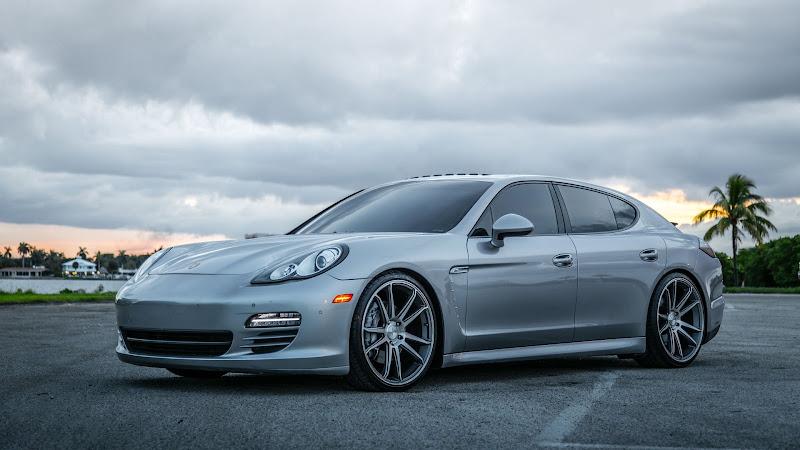Porsche Panamera HD