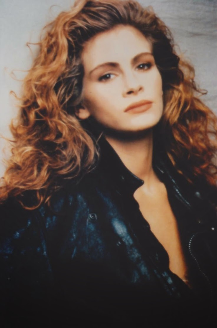 Julia Roberts So Devastated By Half Sister Nancy Motes S: FlyGirl: Curly Hair Inspiration: Julia Roberts