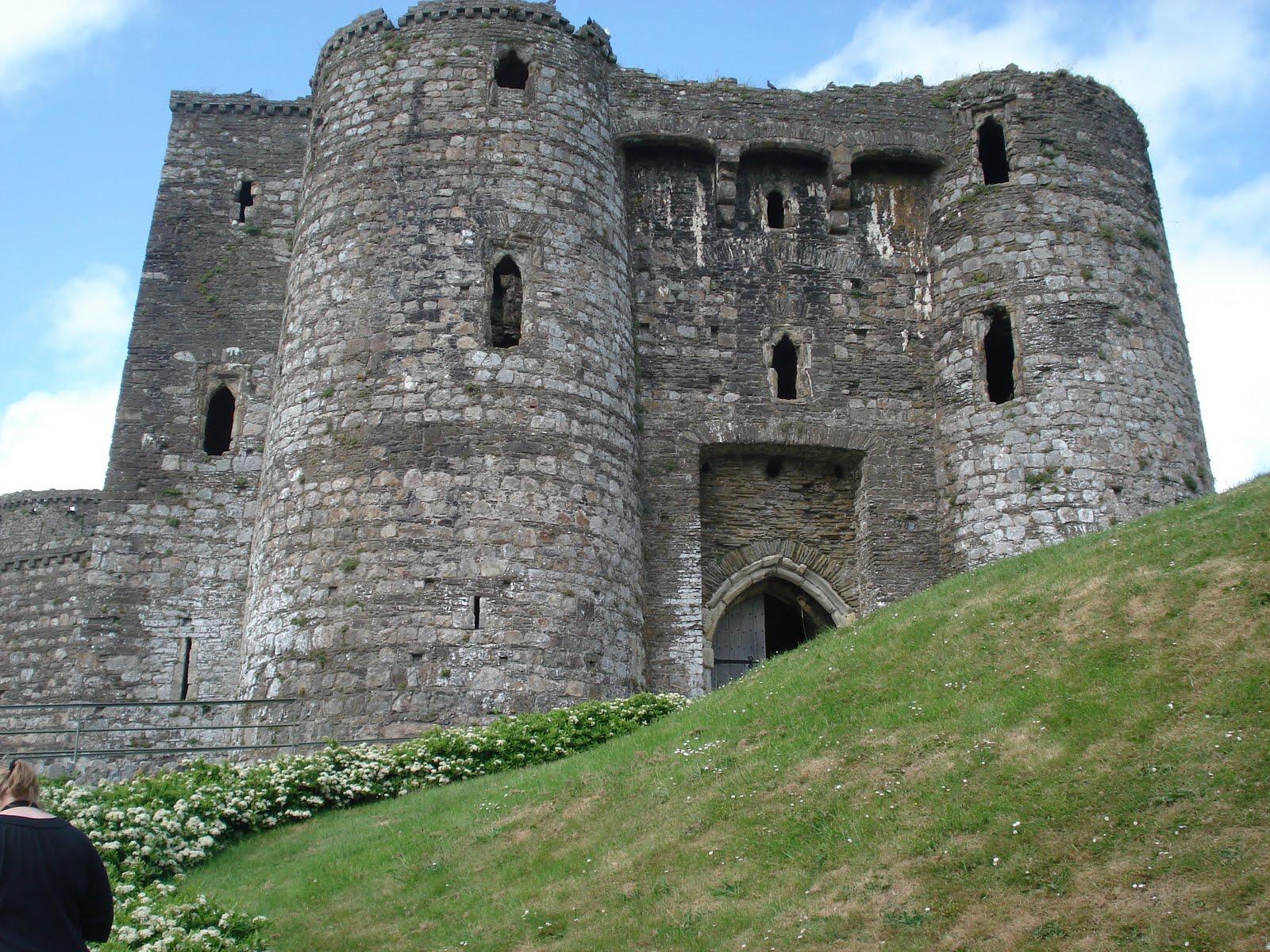 Curtain Wall Medieval Times : Judith arnopp historical novelist cydweli castle castles