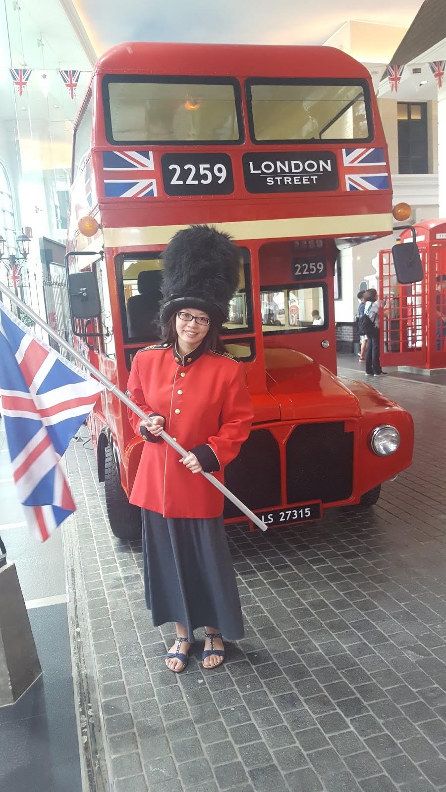 LONDON STREET - 英國士兵