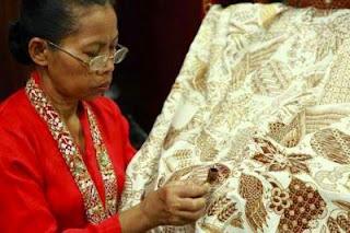 Berwisata ke Yogyakarta rasanya nggak seru jika nggak belanja baju atau kain batik Tempat Wisata Terbaik : 21 Tempat Belanja Batik Murah di Yogyakarta