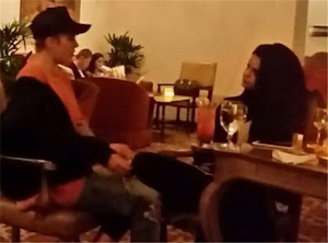 Young and in love: Justin Bieber and Selena Gomez: it departed for a tour!