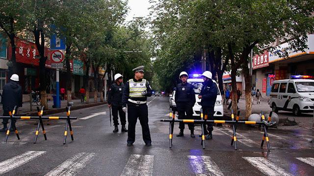 Cuatro atacantes suicidas intentan hacer estallar un edificio gubernamental en China
