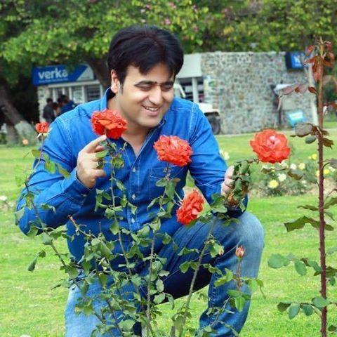 Sanjeev Juneja in New Look