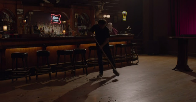 Twin Peaks: Sweeping the floor to Green Onions