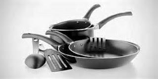 3 Solusi Cepat Bersihkan Kerak Pada Peralatan Masak Rumah Anda