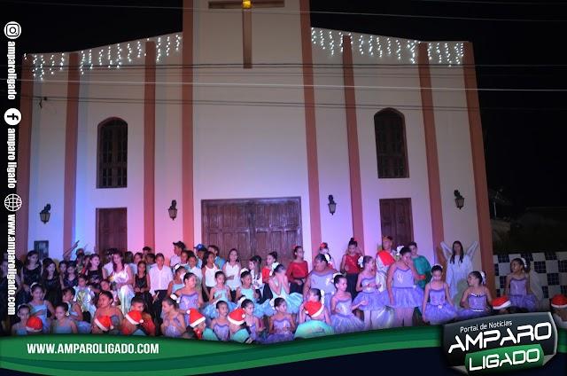 2ª Edição da Cantata Natalina foi realizada em Amparo na noite desta quarta-feira