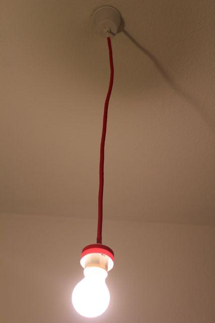 schn r it yourself stylische minimalistische lampenaufh ngung. Black Bedroom Furniture Sets. Home Design Ideas