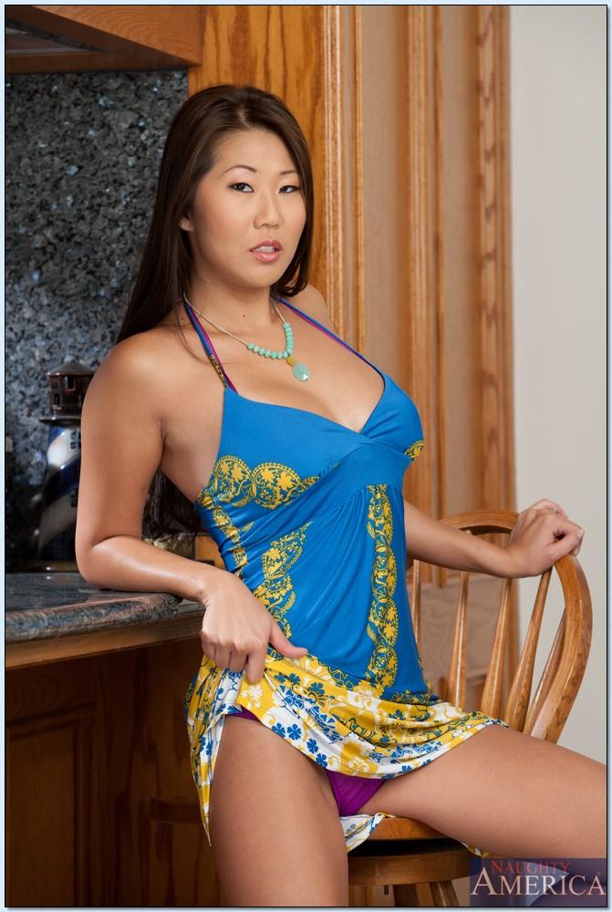 Hana Asian Teen Is 33