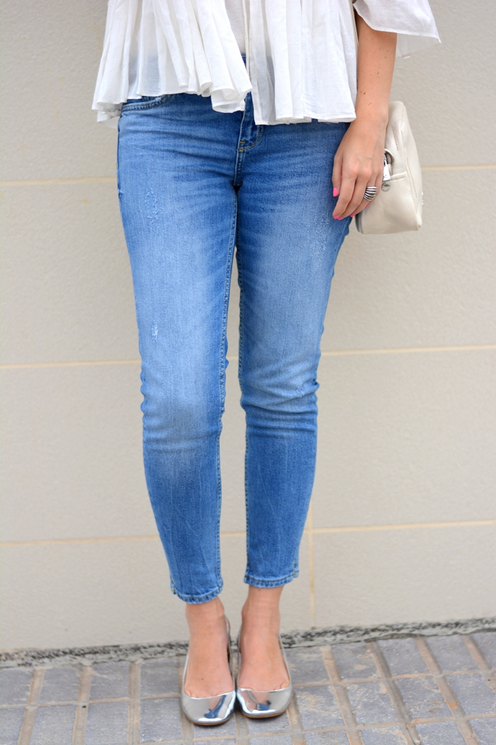 zara-silver-shoes-blue-cropped-jeans