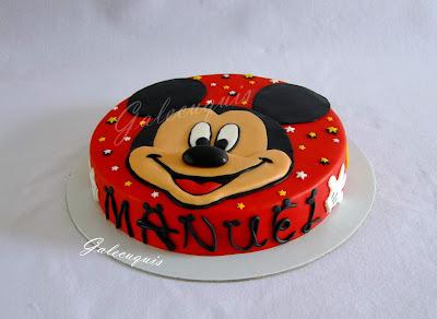 Tarta fondant Mickey Mouse en plano