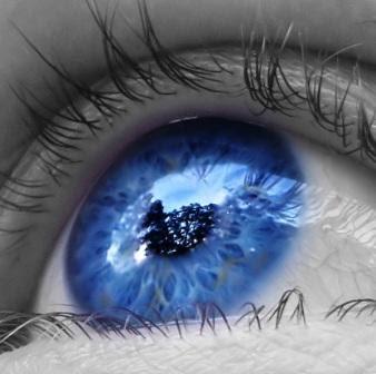 464a891f5 A moda de transformar o corpo está em alta em todo mundo e seguindo essa  tendência, surgi a cirurgia para te deixar com olhos azuis, mas você tem  que ter ...