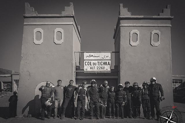 Grupo en Col du Tichka. 2260m