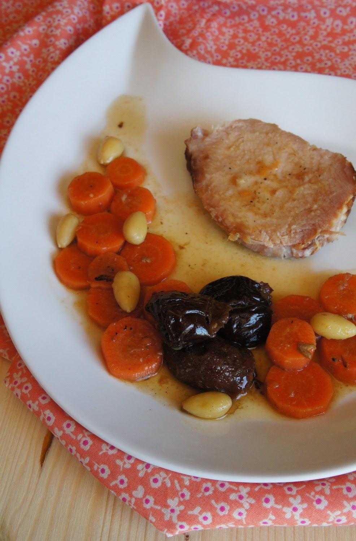 LE BOOK GOURMAND: Rôti de porc fumé en cocotte, aux pruneaux et aux amandes