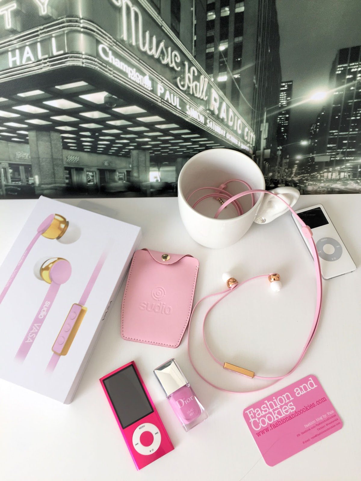 pink Sudio Sweden Vasa Earphones review on Fashion and Cookies fashion blog, fashion blogger style