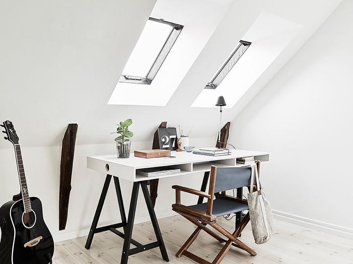 foto via 55 kvadrat | dobrze doświetlone biurko | lvlupstudio