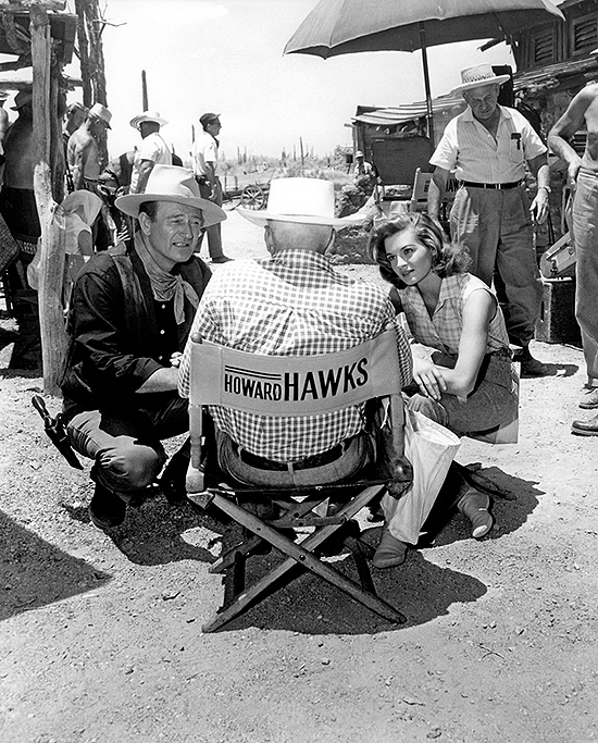 John Wayne, Angie Dickinson y Howard Hawks