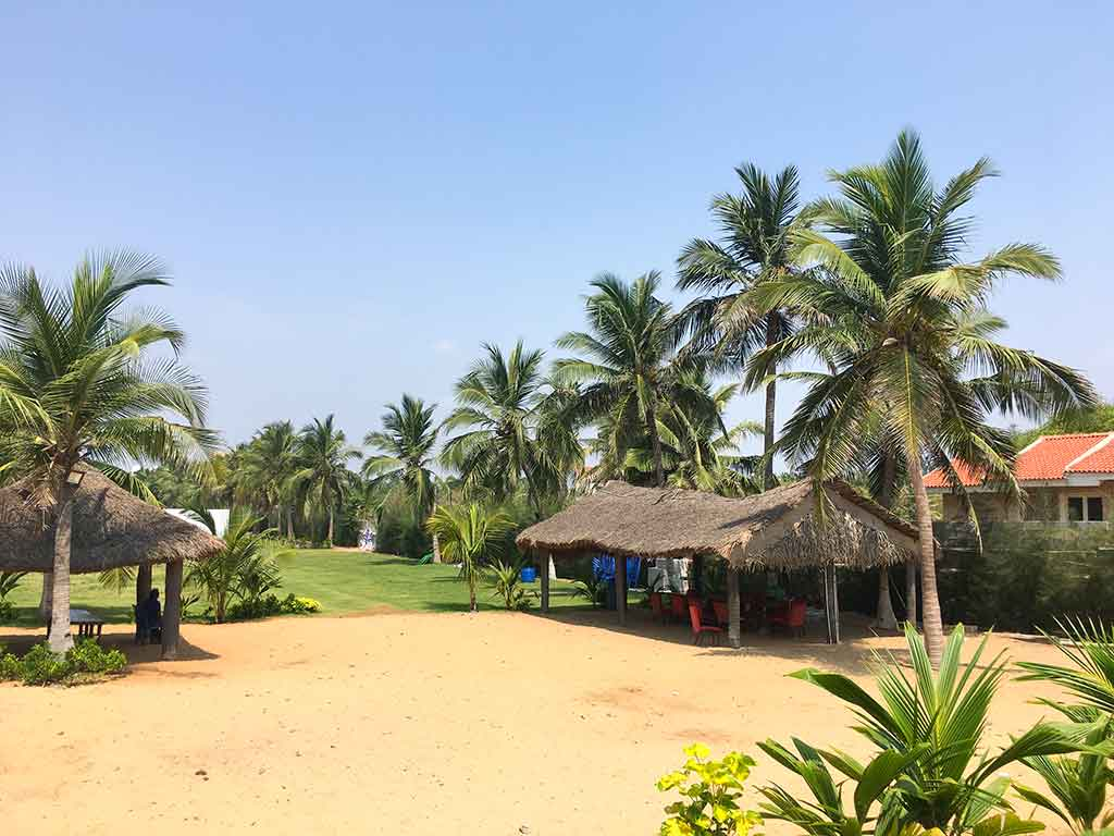 resorts with private swimming pool in ecr