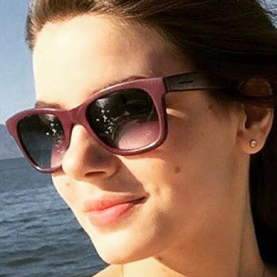 Angel / Arlete (Camila Queiroz) óculos,Verdades Secretas