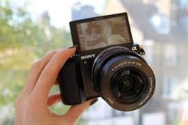 Kamera sony yang cocok dan pas untuk kegiatan ngevlog
